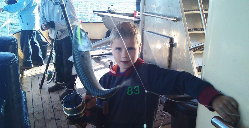 Wat een vangst! Vaar mee met de MS Tender en vang en fileer je eigen vis. Foto: MS Tender.