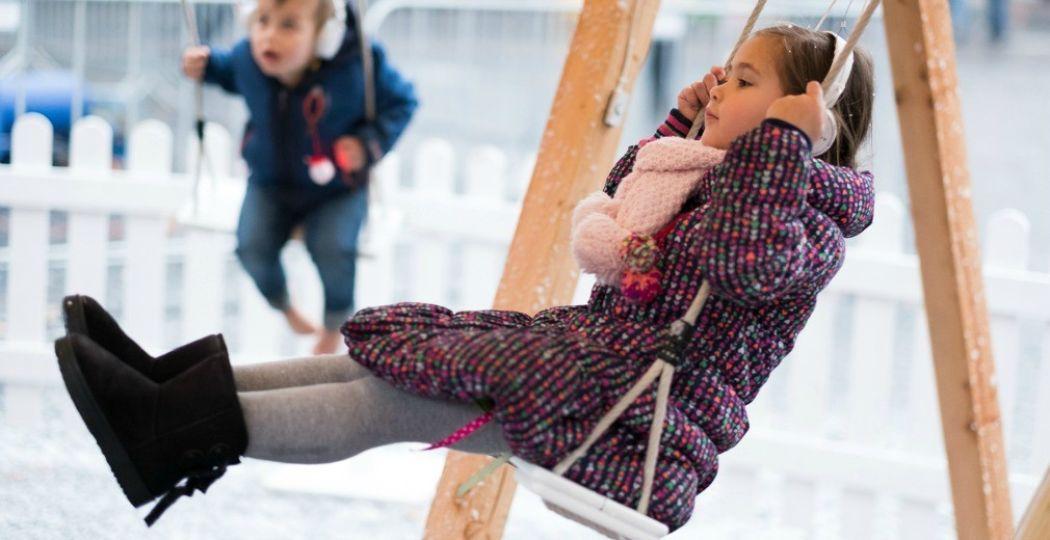 Laat het sneeuwen op de magische schommel. Foto: © Sebastiaan Ter Burg, Kerstival Utrecht