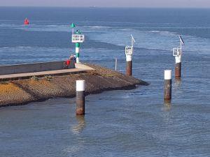 Het rode radiolichtschip aan de Zuiderpier. Foto: DagjeWeg.NL © Tonny van Oosten