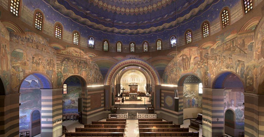 Voor prachtige kerken hoef je niet naar het buitenland: deze kerk ligt gewoon in Nederland. Het is de Cenakelkerk in Heilig Landstichting vlak bij Nijmegen. Foto: Grootste Museum van Nederland © Arjan Bronkhorst