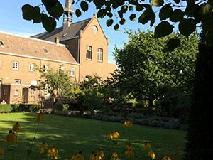 Slaap in Het Klooster Breda