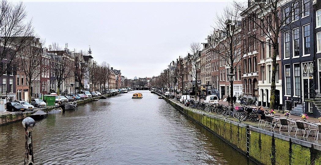 Ontdek de grachten van de Amsterdamse grachtengordel, zoals de Prinsengracht. Dit uniek stukje bouwwerk is één van de Nederlandse werelderfgoederen op de lijst van UNESCO. Foto: DagjeWeg.NL © Tonny van Oosten