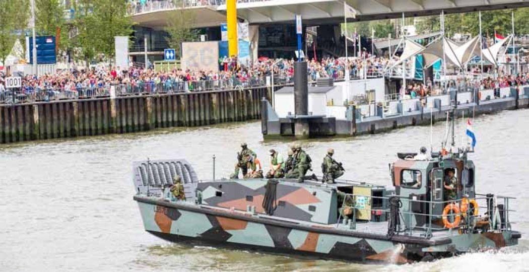 Gave demonstraties en zaterdagavond een show met de Marinierskapel der Koninklijke Marine. Foto: Wereldhavendagen