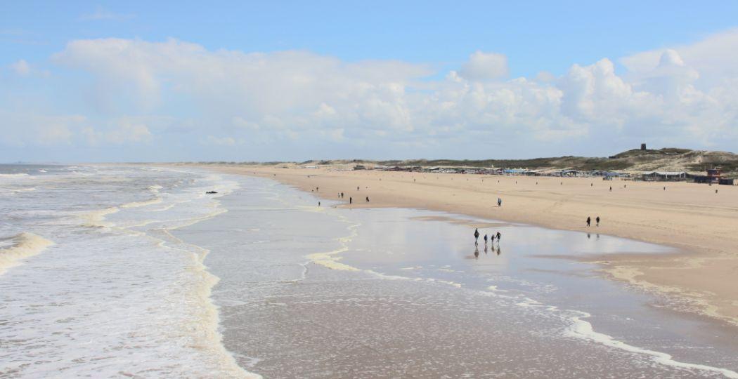 Vind rust aan de kust. Doe een dagje strand en geniet van Nederlandse duinen en zandstranden. Foto: DagjeWeg.NL, Coby Boschma.