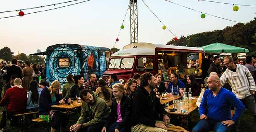 Proef de sfeer en de heerlijkste hapjes op het food truck festival. Foto: Food Truck Festival TREK