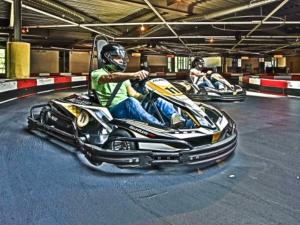 Ga vol gas in de elektrische karts! Foto: The Maxx