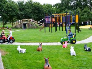 Speel- en Beleefboerderij De Roosendaal