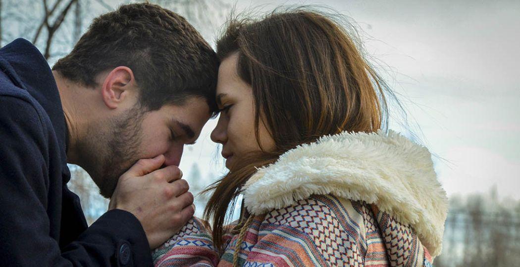 Pure romantiek in de kou: geniet van een dagje voor twee.  Foto: '1208: warm me up buttercup'. Fotograaf:  emraps . Licentie:  Sommige rechten voorbehouden . Bron:  Flickr.com .