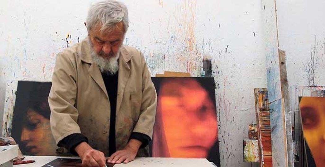 Arnulf Rainer aan het werk. Foto: Cobra Museum