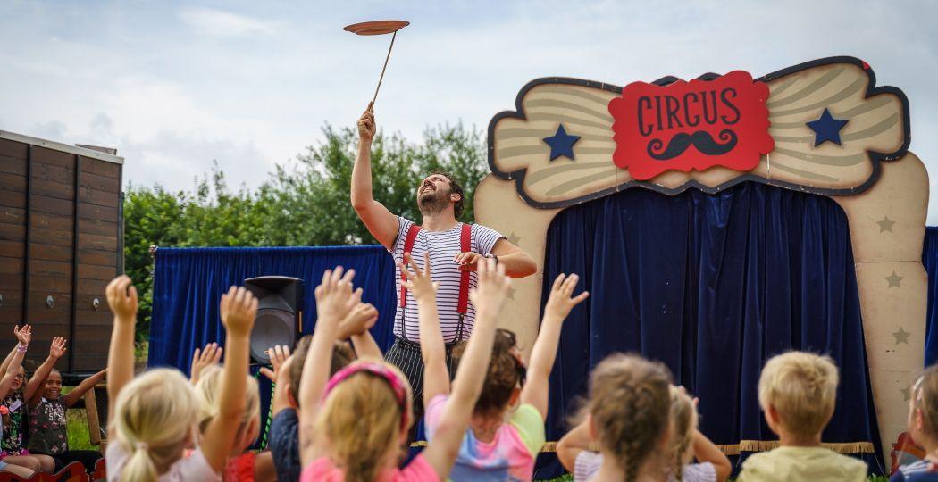 Kinderen worden deze zomervakantie echte circusartiesten. Foto: Circus Snor