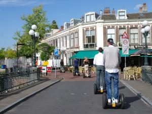 Samen op pad door Leiden. Foto: Segway Leiden