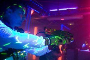 Laserbattle! Duik weg in het ruim van een schip