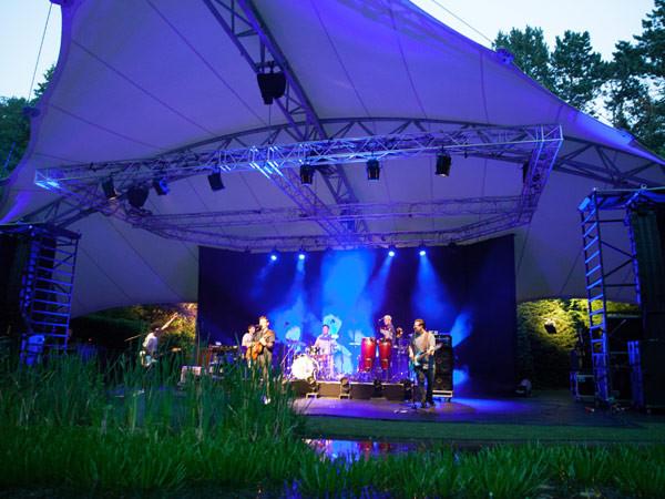 Een concert van Nielson. Foto: Andy Doornhein