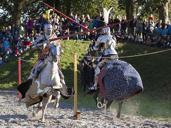 Echte ridders op Slot Loevestein. Foto: Slot Loevestein © Marcel Köppen.