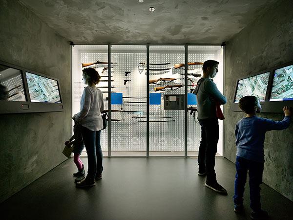Bekijk oude en nieuwe spullen van onze hulpdiensten. Foto: Veiligheidsmuseum PIT.