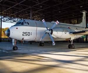 Bekijk gigantische gevechtsvliegtuigen.