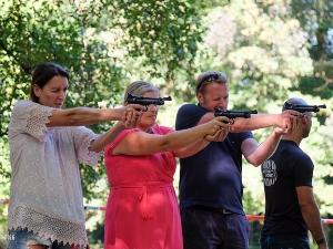 Met PCP-pistolen! Foto: ActionDome.