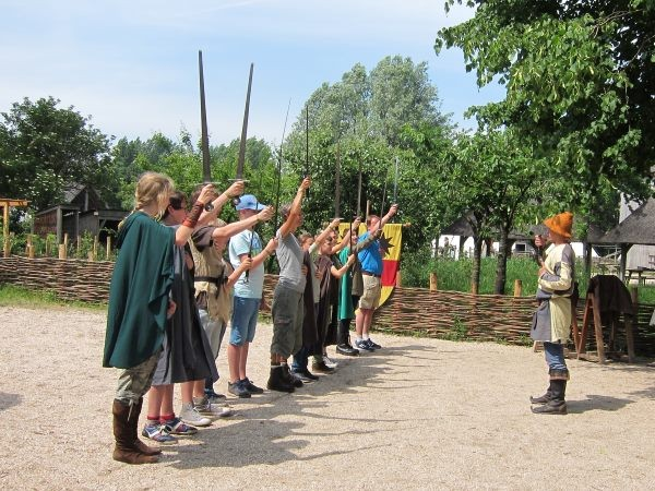 Ga de uitdaging aan en leer zwaardvechten. Foto: Archeon.