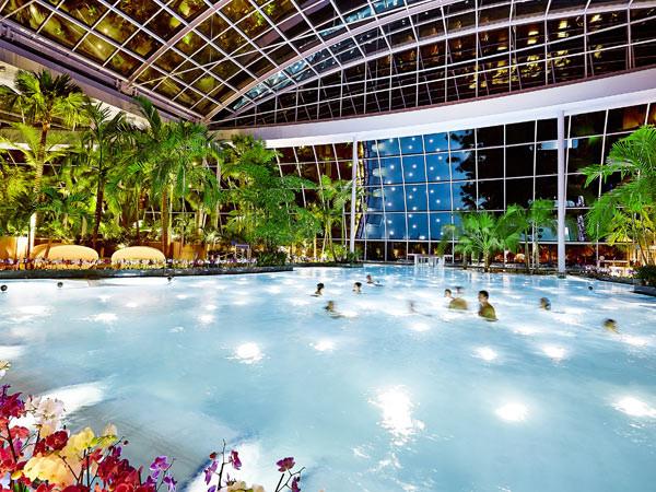 Zwemmen in het Palmenparadies.