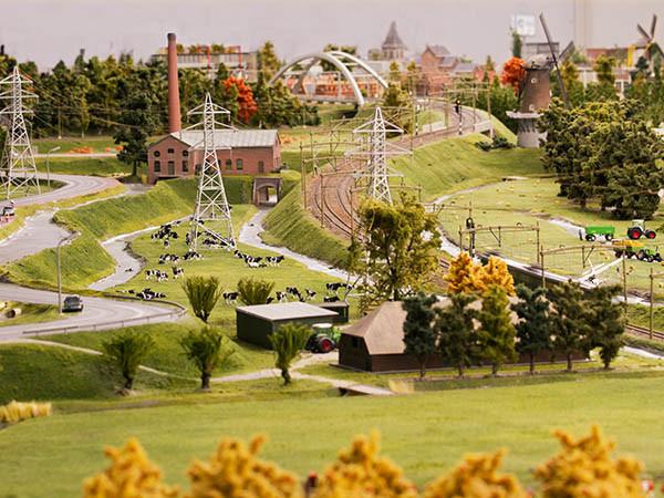 Bekijk Nederlandse landschappen van boven.