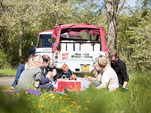 Neem een picknickmandje mee! Foto: TukTuk Lauwersoog © Marit Anker.