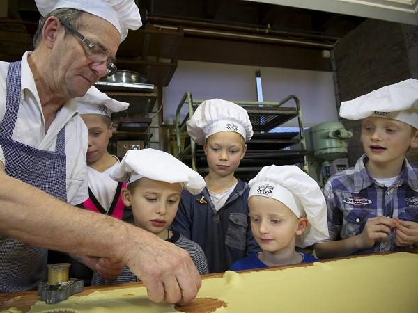 Koekjes bakken met een echte bakker. Foto: De Oude Bakkerij