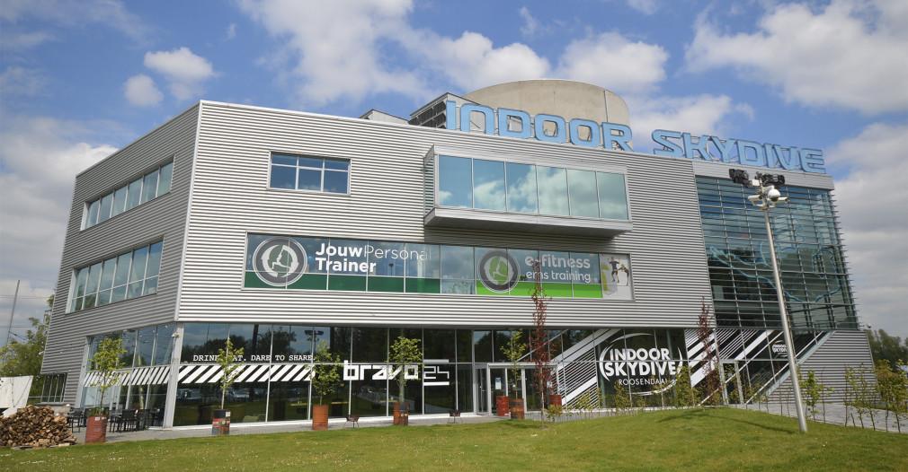 Het gebouw van Indoor Skydive. Foto: Indoor Skydive Roosendaal.