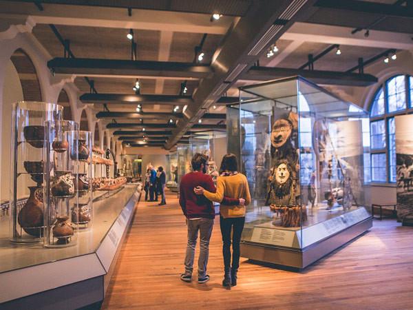Bekijk wereldse tentoonstellingen. Foto: Tropenmuseum.