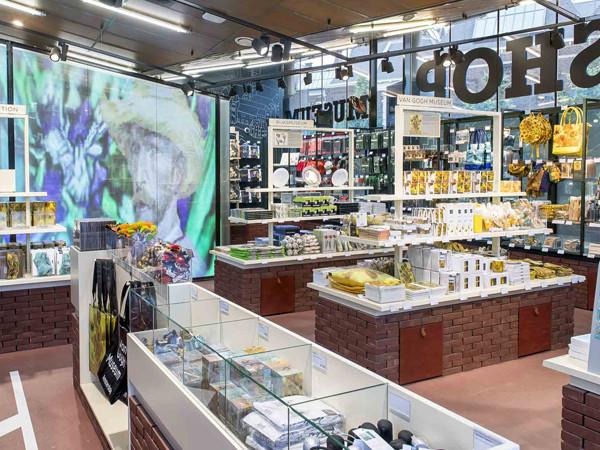 Museumpleinshop - Foto: Van Gogh Museum © Jan-Kees Steenman