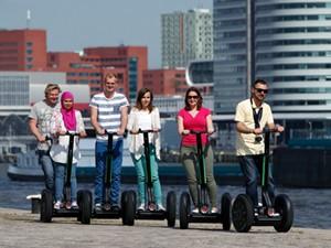 Verken Rotterdam per bus. Foto: Segway Rotterdam.