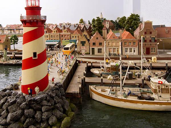Typisch Nederlandse kustdorpjes in miniatuur.