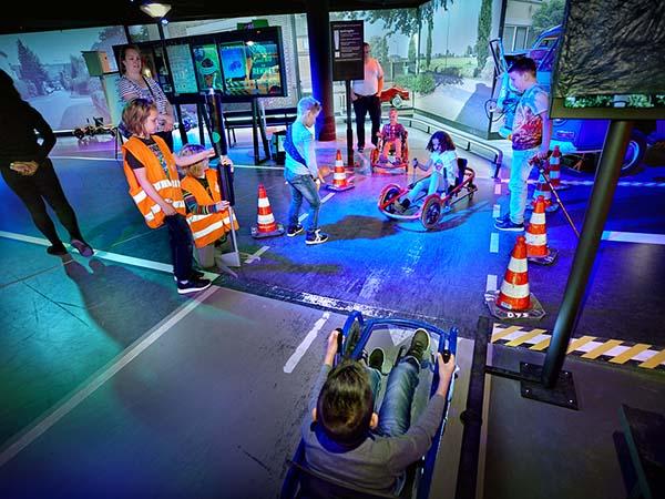 Oefen met verkeersregels op de skelterbaan. Foto: Veiligheidsmuseum PIT © DigiDaan.