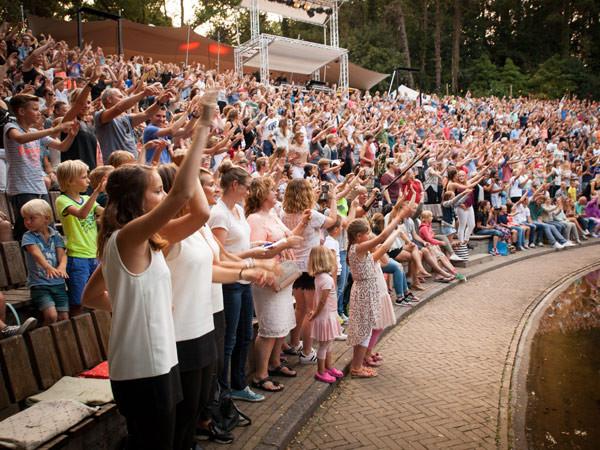 Het publiek geniet. Foto: Andy Doornhein