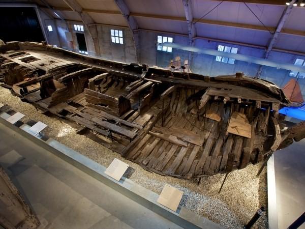 Dit schip lag op de bodem van de Zuiderzee.