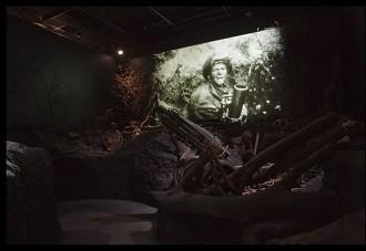 Het oorlogsdecor, waar schoten klinken. Foto: Airborne Museum Hartenstein