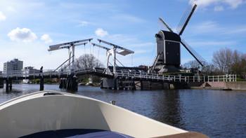 Vaar door het hart van Leiden.
