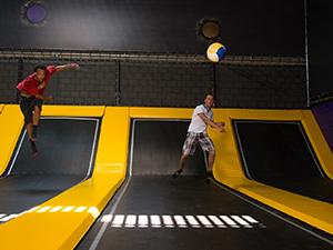 Speel een potje trefbal in de Sport Area. Foto: Jumpsquare Nieuwegein.