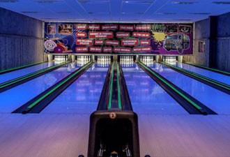HappyDays heeft twaalf bowlingbanen.