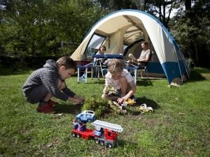 Samen gezellig kamperen.