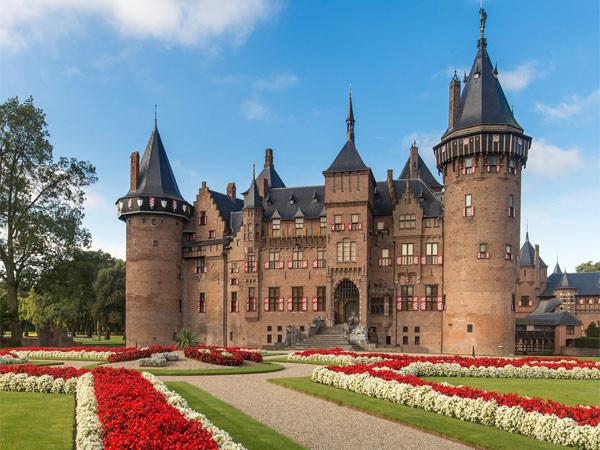 Het kasteel in de zomer.