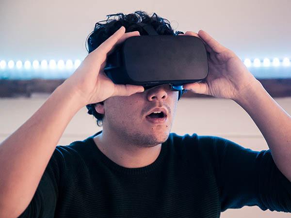 Escaperoom met raadsels in virtual reality.