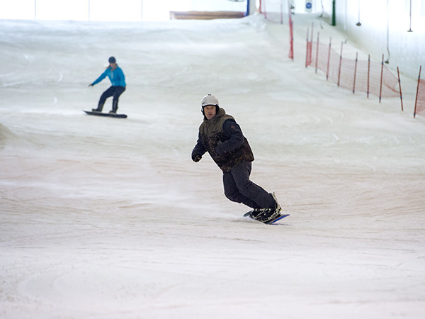Snowboarden in Skidôme Terneuzen.