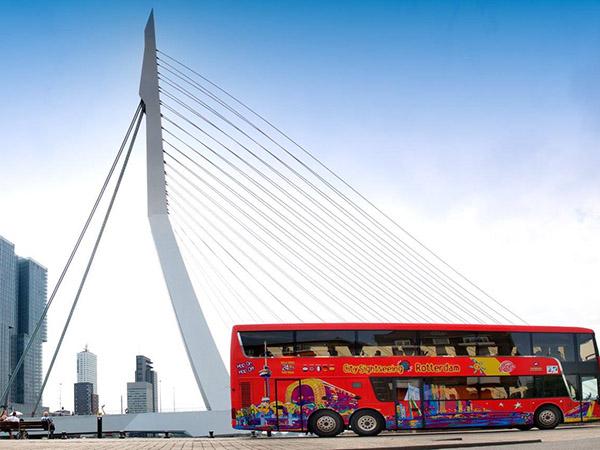 Foto: Hop-On Hop-Off Tour Bus Rotterdam.