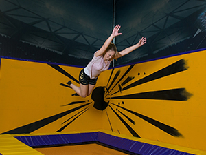 Eindeloos jumpen op tientallen trampolines! Foto: Jumpsquare Nieuwegein.